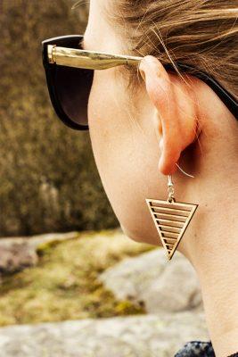 Puiset korvakorut triangeli