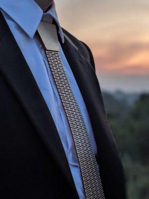 Puinen kravatti